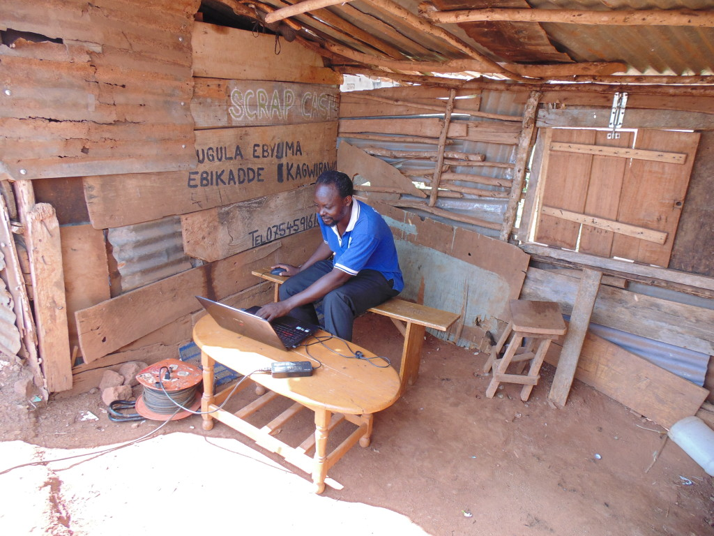 1. Isaac Nabwana montuoja filma